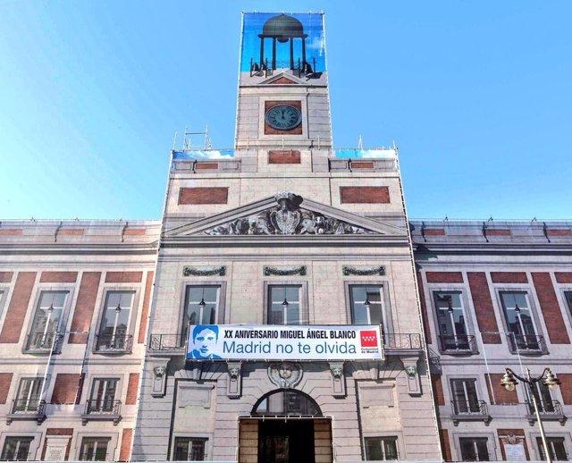 Pancarta de Miguel Ángel Blanco en Sol