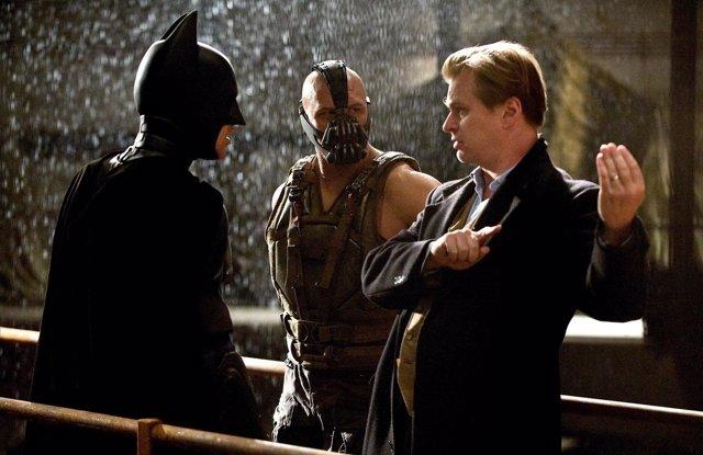 Christopher Nolan dirige La leyenda renace