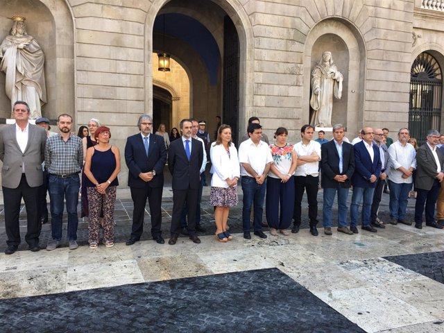 Barcelona guarda un minuto de silencio en recuerdo a las víctimas del terrorismo