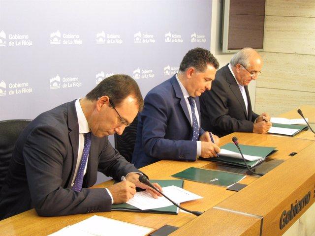 Firma convenio Hipoteca Joven de La Rioja