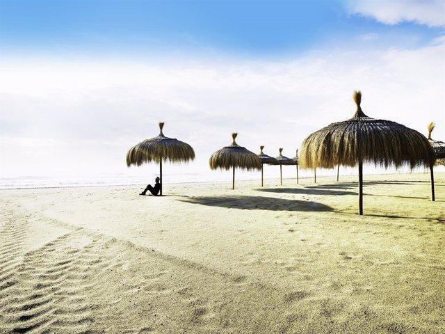 Playamar, El Retiro, Málaga, Playa, turismo, sombrilla,