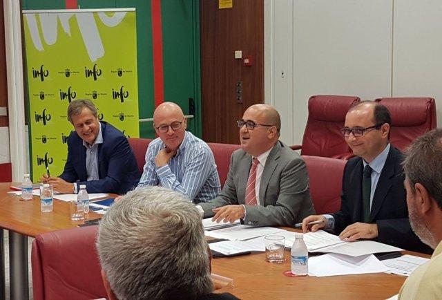 Reunión Juan Hernández con empresarios Valle Escombreras