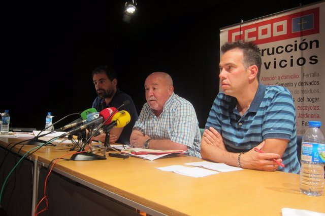 De izquierda a derecha, Sánchez, Dosantos y Zapico.