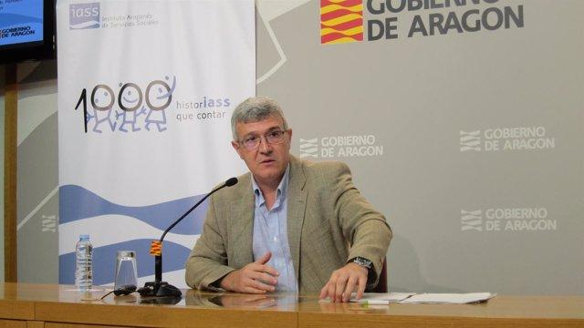El gerente del Instituto Aragonés de Servicios Sociales (IASS), Joaquín Santos