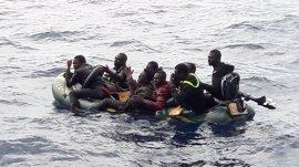 HRW y AI alertan de que miles de refugiados y migrantes pueden morir en el mar si se limita a las ONG