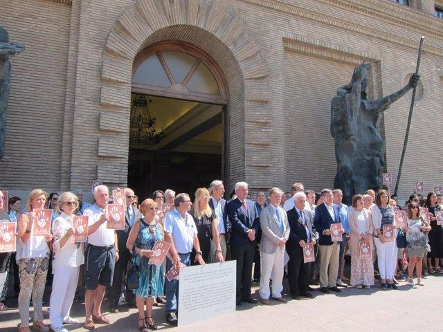 Minuto de silencio en recuerdo a Miguel Ángel Blanco en el Ayuntamiento