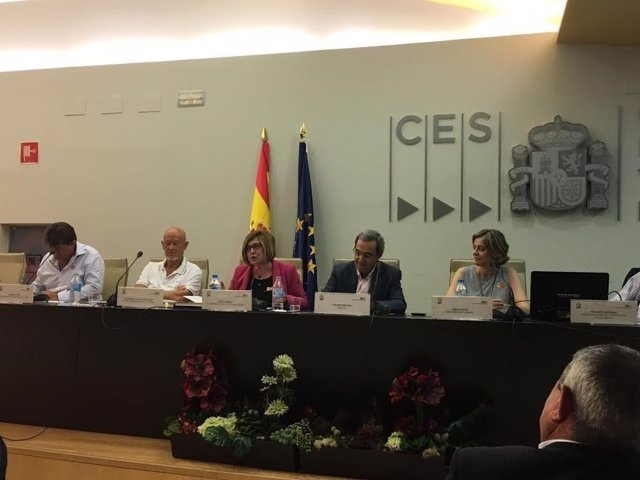 Mesa redonda sobre la despoblación celebrada por UPA en Madrid