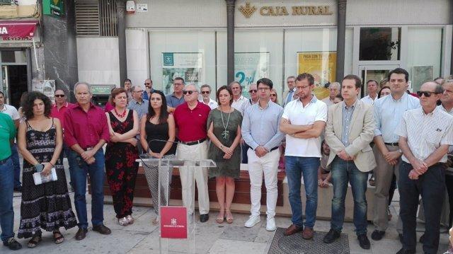 Concentración ante el Ayuntamiento de Córdoba