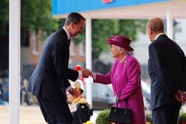 Isabel II concede a Felipe VI la Orden de la Jarretera, la más antigua del mundo junto con el Toisón de Oro