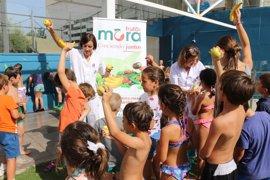 Profesionales del San Juan de Dios del Aljarafe organizan una yincana infantil para promocionar hábitos saludables