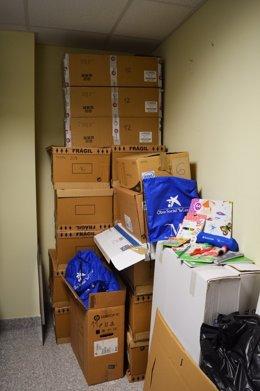 Lotes almacenados tu material escolar caixa rincón denuncia PP contra anterior