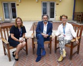 """Elsa González reivindica el periodismo de investigación """"con rigor y ética"""" para """"recuperar credibilidad"""""""