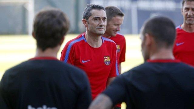 Valverde dirige su primer entrenamiento en el Barça