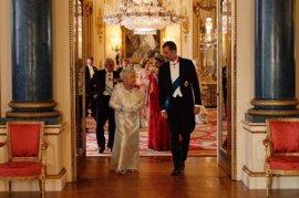 """El Rey afirma que """"la solidez de la amistad"""" con Reino Unido ayudará a abordar cualquier """"discrepancia"""""""