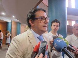 """La Junta actuará """"legalmente"""" contra la empresa de transporte sanitario concentrada en Mérida si se producen incidencias"""