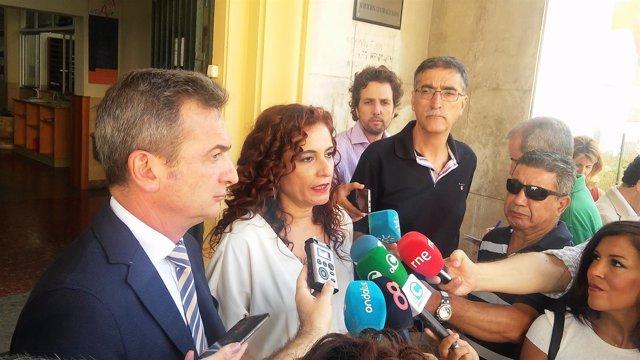 María Jesús Montero con el rector de la Universidad de Cádiz