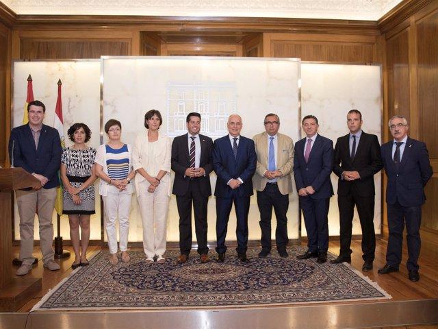 Ceniceros, con los alcaldes firmantes de los acuerdos