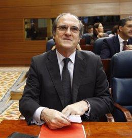 Ángel Gabilondo en el debate de investidura de Cristina Cifuentes