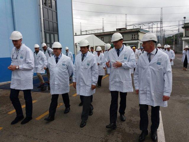 Visita a la fábrica de Bayer en su 75 aniversario