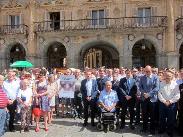 Salamanca: minuto de silencio por Miguel Ángel Blanco