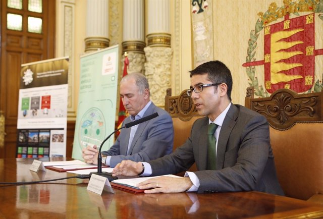 El Ayuntamiento De Valladolid E Iberdrola Firman Un Convenio Para Optimizar Y Ex
