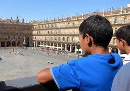 Los 23 niños saharauis que pasarán el verano en Salamanca ya disfrutan de la ciudad