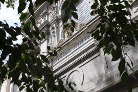 La Generalitat recurrirá la concesión de conciertos a dos centros y velará por que abonen el aval de 1,1 millones