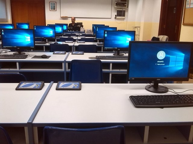 Aula con ordenadores