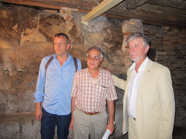 Rivarés, Escudero y Santisteve junto al tramo de muralla romana descubierto