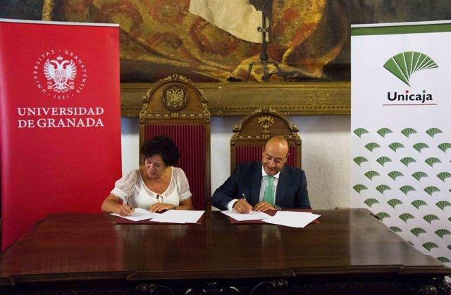 Firma de convenio entre Unicaja Banco y la Universidad de Granada