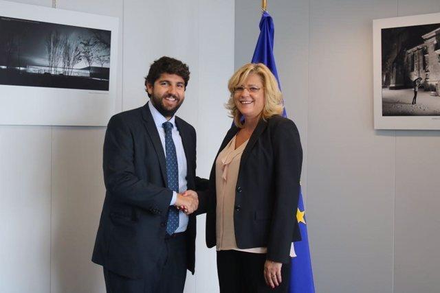 Reunión del presidente en Bruselas con la comisaria europea de Política Regional