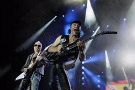 """Más de 8.000 personas asisten a la velada """"histórica y rockera"""" Scorpions"""