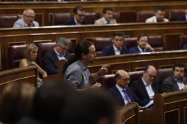 """Podemos denuncia un pacto de silencio """"de mafiosos"""" entre el PP y sus extesoreros"""