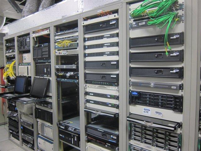 Instalaciones de RTVV vacías tras el cierre