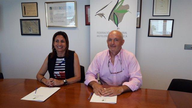 Firma de un convenio entre la FEHM y Asinem