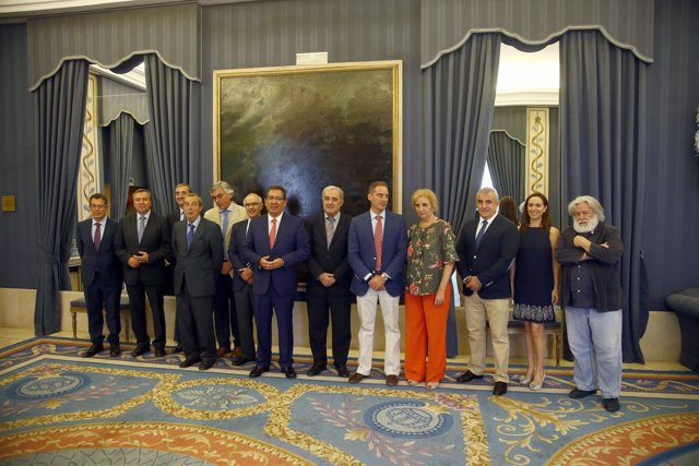 La Fundación Cajasol celebra el Patronato previo al verano en el Teatro Real