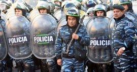 Varios heridos y detenidos en el desalojo de una planta de Pepsico en Argentina