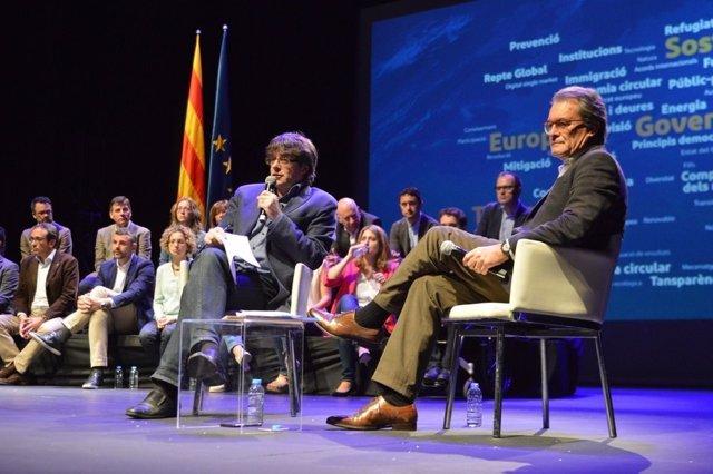 Carles Puigdemont y Artur Mas (Archivo)