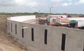 La canciller de Ecuador confirma la detención de la construcción del muro fronterizo con Perú