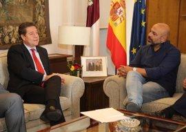 """CSIF valora el acuerdo entre Page y Podemos pero les afea la """"tardanza""""  y les pide """"acelerar procedimientos"""""""