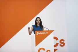 """Ciudadanos avisa a Puigdemont de que las purgas """"no solucionarán nada"""""""