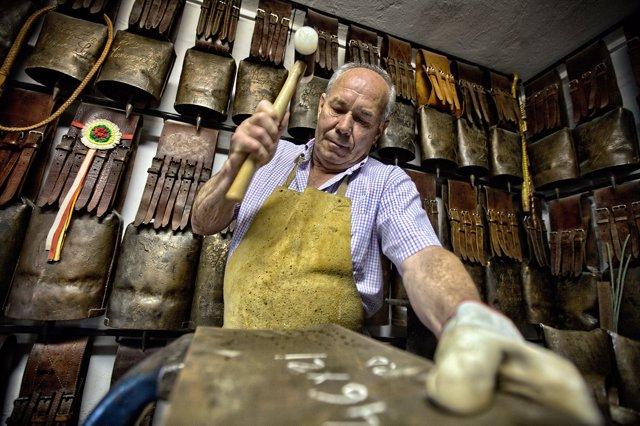 Fabricante de campanas y cencerros , exposición EnREDarte