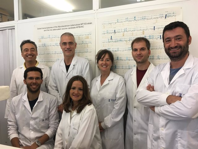 Investigadores participantes en el estudio, con Nacho Aguiló y Carlos Martín