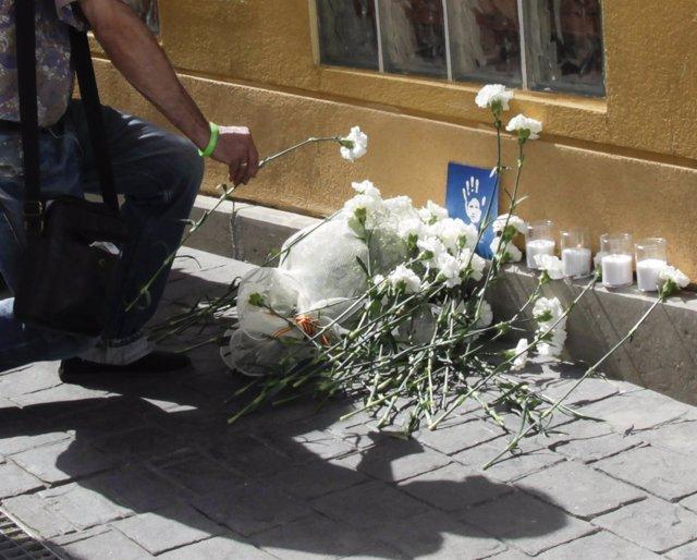 Prenden fuego a la ofrenda homenaje a Miguel Ángel Blanco