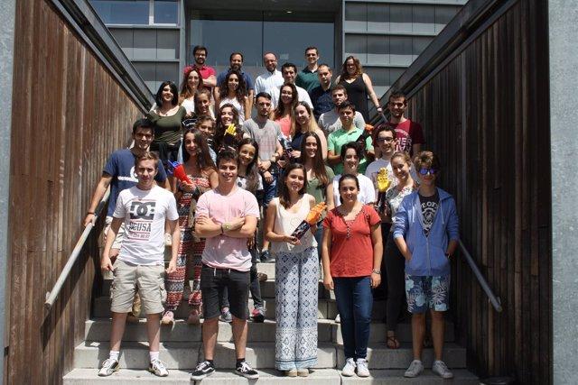 Alumnos de la Summer University CEU construyen una prótesis de mano