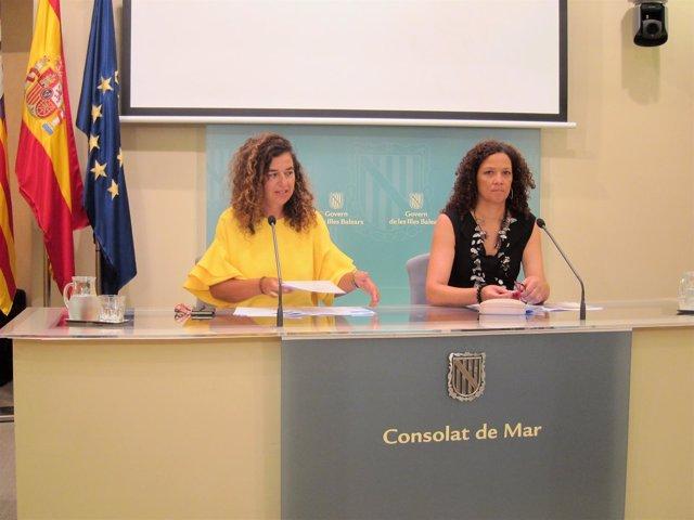 Pilar Costa y Catalina Cladera tras el Consell de Govern