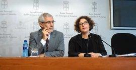"""Llamazares (IU) cree """"un primer paso importante en la buena dirección"""" el acuerdo con Podemos sobre listas de espera"""