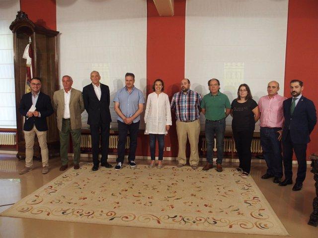 Gamarra y Merino, con los representantes de los clubes deportivos