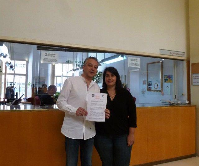 Díez y Alonso en el Registro del Ayuntamiento