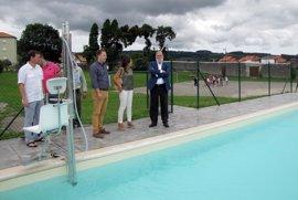 Reabre la piscina del albergue juvenil de Solórzano tras seis años cerrada
